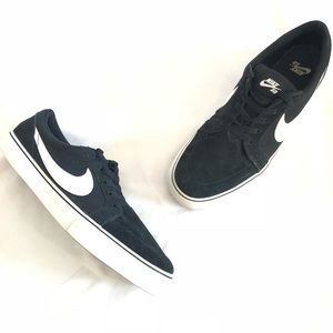 Nike Men's Portsmouth Suede Sneakers Size 12